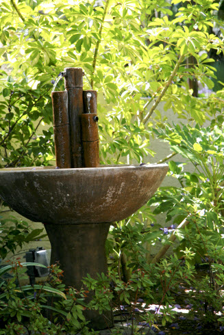 pint_courtyrdfountain1_2010